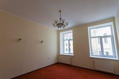 Intérieur d'appartement pendant sur la rénovation Image libre de droits