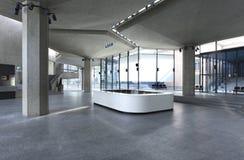 Intérieur d'un palais du congrès images stock