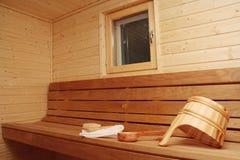 Intérieur d'un sauna finlandais Photos stock