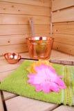 Intérieur d'un sauna finlandais Photo stock
