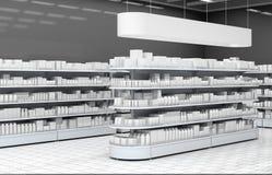 Intérieur d'un supermarché avec des étagères pour des marchandises Photographie stock libre de droits