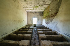 Intérieur d'un vieil hôpital soviétique abandonné Photos libres de droits