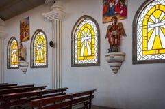 Intérieur d'une église catholique au Guatemala Image libre de droits