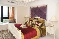 Intérieur d'une chambre à coucher de mode Image libre de droits