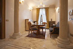 Intérieur d'une salle dinning de luxe Photos libres de droits