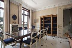 Intérieur d'une salle dinning de luxe Photo stock