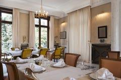 Intérieur d'une salle dinning de luxe Photo libre de droits