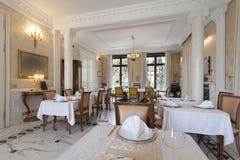 Intérieur d'une salle dinning de luxe Photographie stock