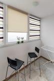 Intérieur de balcon avec des chaises dans le style scandinave image libre de droits