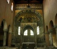 Intérieur de basilique Photo stock