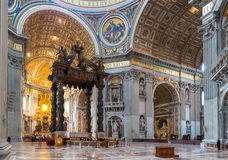 Intérieur de basilique de rue Peter à Rome Photo libre de droits