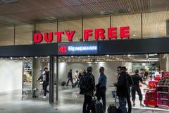 Intérieur de boutique hors taxe à l'International Airp d'Oslo Gardermoen Photos libres de droits