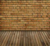 Intérieur de brique de cru Photo stock