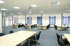 Intérieur de bureau - bureau vide moderne de l'espace ouvert Images libres de droits