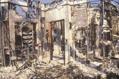 Intérieur de burn-out de magasin pendant 1992 émeutes, Los Angeles centrale du sud, la Californie Photos libres de droits