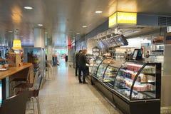 Intérieur de café d'aéroport Photographie stock libre de droits