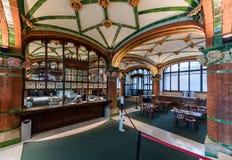 Intérieur de café, palais de la musique catalanne, Barcelone, Espagne photos libres de droits