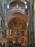 Intérieur de cathédrale à Pise Photos stock