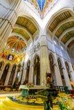 Intérieur de cathédrale d'Almudena Images libres de droits