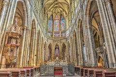 Intérieur de cathédrale de rue Vitus à Prague, République Tchèque Photographie stock