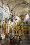 Intérieur de cathédrale de Saint-Esprit à Minsk - Images stock