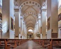 Intérieur de cathédrale de Vilnius images stock