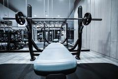 Intérieur de centre de fitness photographie stock