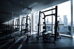 Intérieur de centre de fitness photos stock