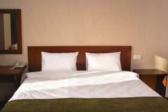 Intérieur de chambre à coucher d'hôtel Photos libres de droits