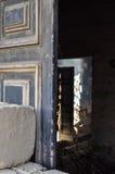 Intérieur de construction effondré aléatoire Photos stock