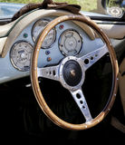 Intérieur de fou du volant de Porsche Photo libre de droits