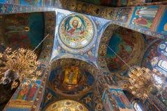Intérieur de l'église du sauveur sur le sang renversé dans Petersb Image stock