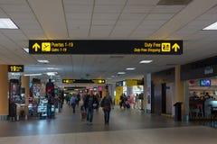Intérieur de l'aéroport international de Miami, Etats-Unis Images libres de droits