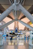 Intérieur de l'aéroport international de Kansai à Osaka Photographie stock libre de droits