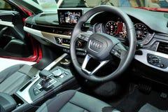 Intérieur de l'affichage tout-neuf d'Audi A4 pendant le Singapour Motorshow 2016 Photographie stock libre de droits