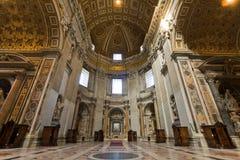 Intérieur de la basilique de Peter de saint Photographie stock libre de droits