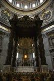 Intérieur de la basilique de Peter de saint, Rome. Photos stock