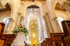 Intérieur de la Cathédrale-basilique de Cefalu Mosaïque du Christ images libres de droits