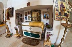 Intérieur de la cathédrale dans Borovichi, Russie Images libres de droits