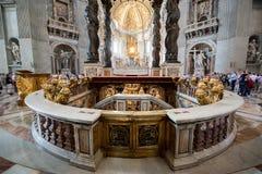 Intérieur de la cathédrale de Peter de saint à Vatican Photo libre de droits