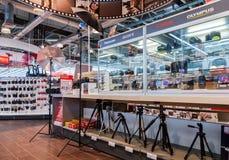 Intérieur de la M-vidéo de boutique de l'électronique en Samara, Russie Image libre de droits