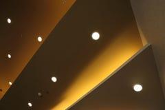 Intérieur de lumière sur le plafond moderne Image libre de droits