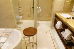 Intérieur de luxe de salle de bains Photos stock