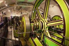 Intérieur de mécanisme de pont de tour de soulever et d'abaisser le pont Londres, Royaume-Uni Photo stock
