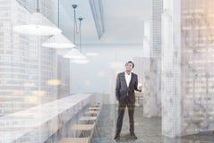 Intérieur de marbre blanc de dîner, homme Photographie stock libre de droits