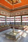 Intérieur de pièce d'été dans le palais de Khan, Crimée Images libres de droits