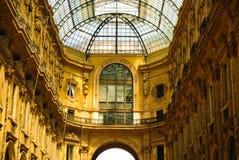 Intérieur de rampe de Vittorio Emmanuele, Milan, Italie Images stock