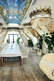 Intérieur de restaurant dans le type baroque Photographie stock libre de droits