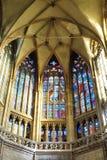 Intérieur de saint Vitus Cathedral au château de Prague Image stock
