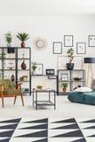 Intérieur de salon avec l'espace de travail Images libres de droits